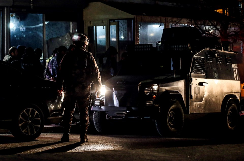 Sultangazi Gazi Mahallesi Silahı Kavga 2 Ölü Polis Güvenlik Önlemi Aldı